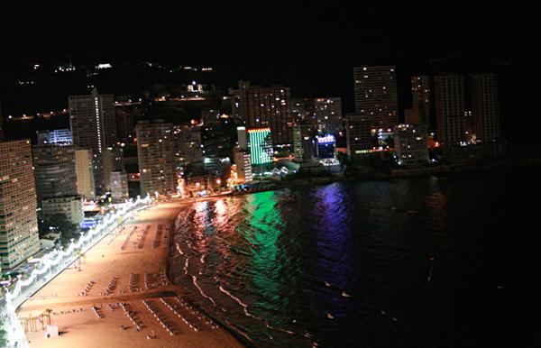 Playa de Benidorm por la noche